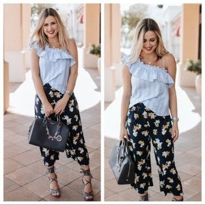 J by J.O.A. Floral Wide Leg Culottes Pants Small